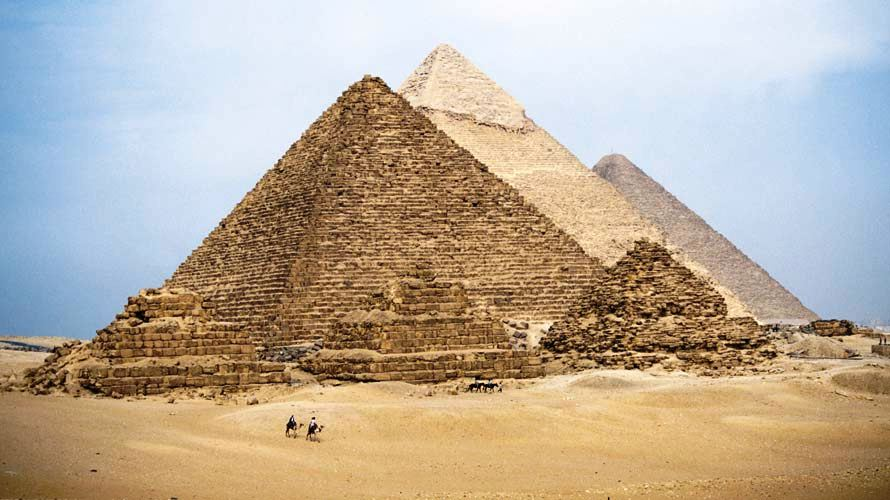 the three pyramids of the 4th. Dynasty
