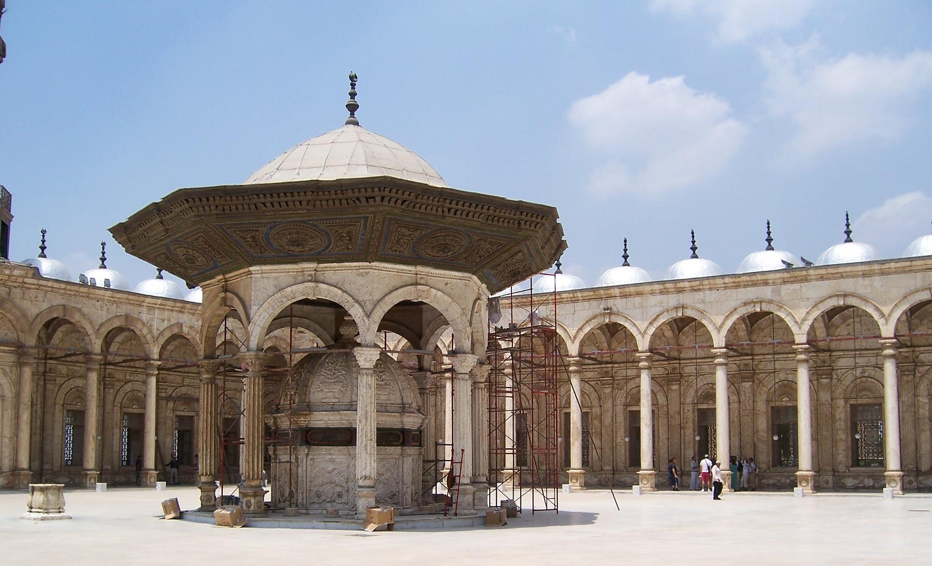 Tour Religiosi esploranno le antiche chiese e le moschee