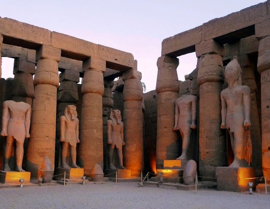 Primo Cortile -Tempio di Luxor